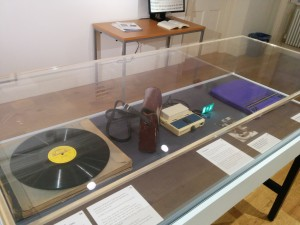 Photo of exhibition display table 4.